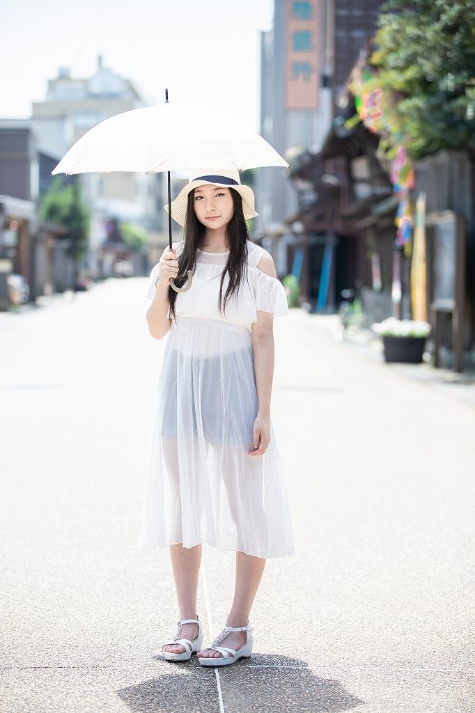 モデル:Lily 撮影:ミッツ
